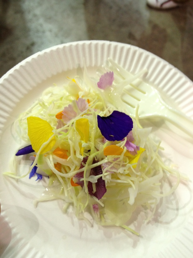 食べれる花サラダ
